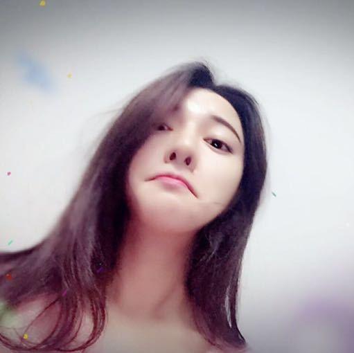 微关系 他的关注(301) 我是张玖玲 商夏瑞丽网 粉丝红包 赖晶晶亮