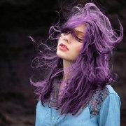 亚麻紫色头发图片女生