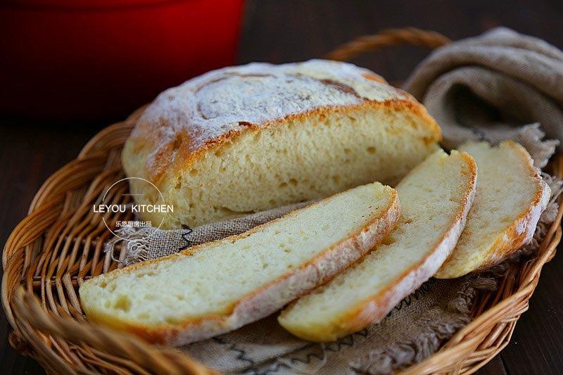 不用揉面,拌拌面糊就可以做的面包,最适合懒人