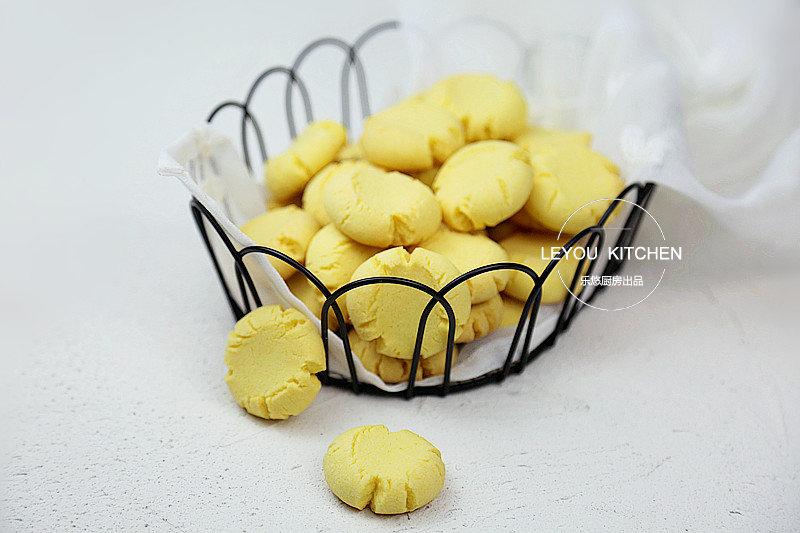 入口即化的一款简单饼干,用电饭锅也可以做