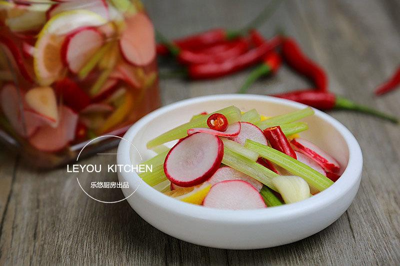 泡菜界的小清新,几个小时就可以上桌,酸爽又开胃