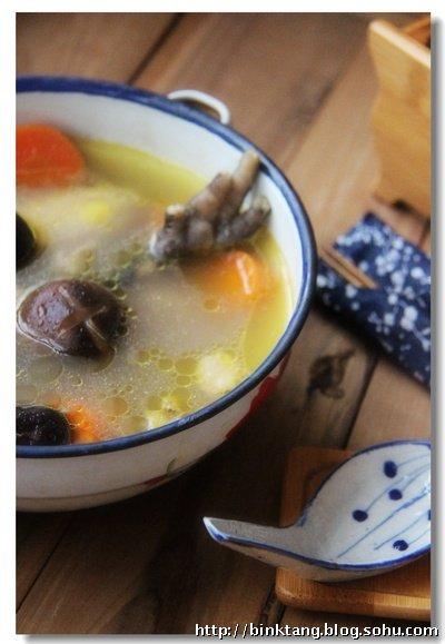 【感恩节】香菇母鸡汤:天冷,来碗热汤