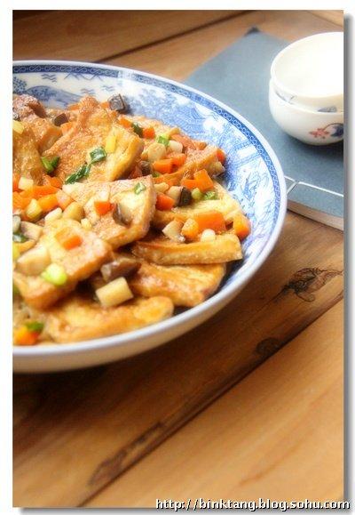 【感恩节】鸡汤煨豆腐:汤汁饱满的美味