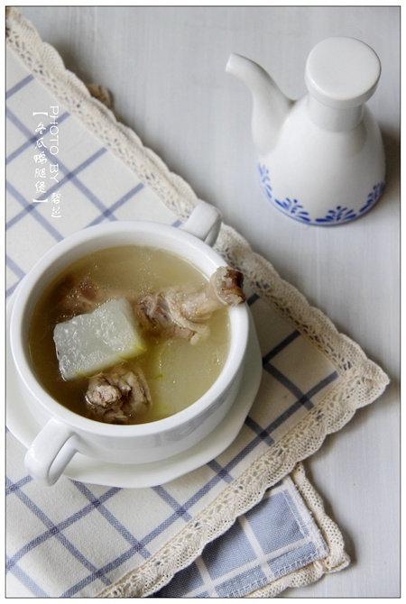 冬瓜鸭腿煲:三伏天酷暑难耐,喝一碗冬瓜煲的汤