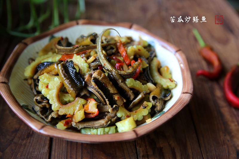 苦瓜炒鳝鱼:苦瓜入菜,清凉一夏