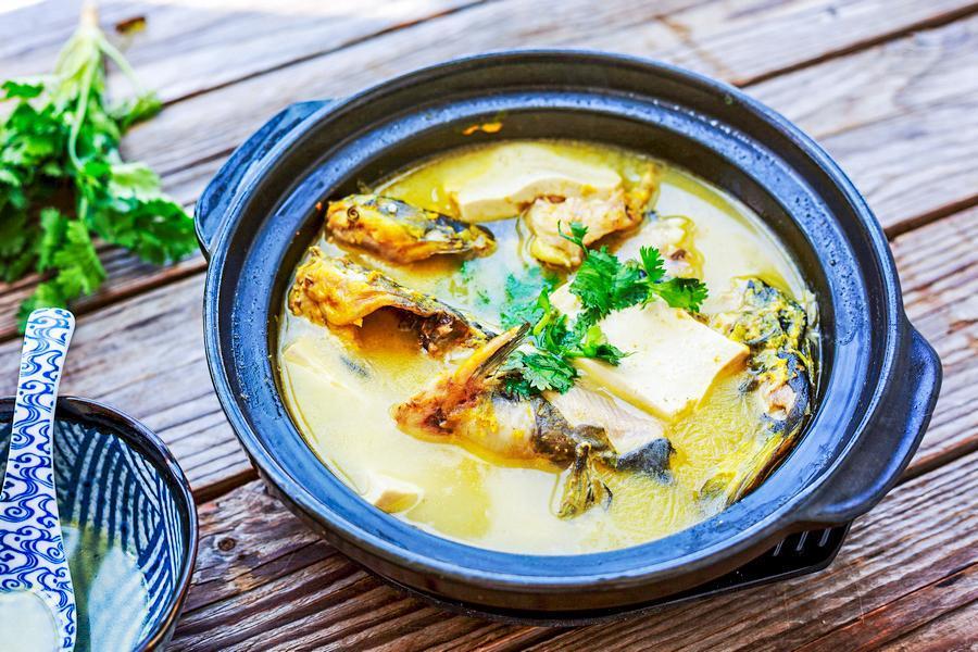 入伏后多喝这鱼汤,鲜美解暑比鲫鱼营养,脾胃不好更要常喝