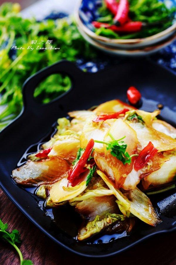 清炒白菜有窍门,这样搭配着做,上桌吃个精光!