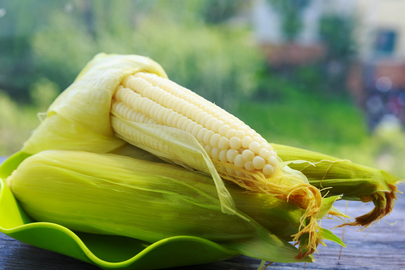 煮玉米时加点这玩意,又糯又香甜,很多人还没试过