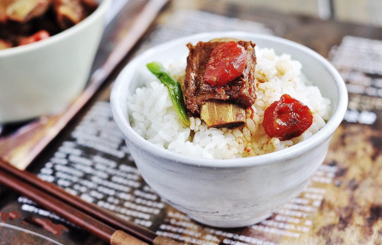 茄汁排骨配米饭,这个味道没谁了