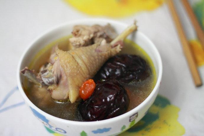 【仲夏】提高免疫力,补血补气的红枣当归鸡汤