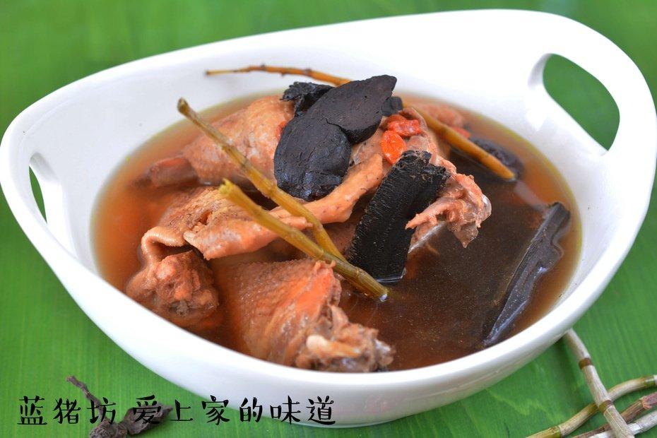 鸡汤的做法:这个秋冬,给爱的他来一碗鸡汤