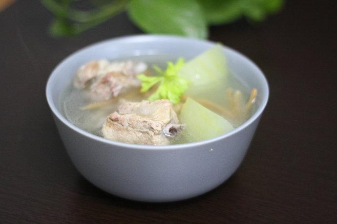 三分钟学会制作清热解毒,补钙又美容的冬瓜排骨汤