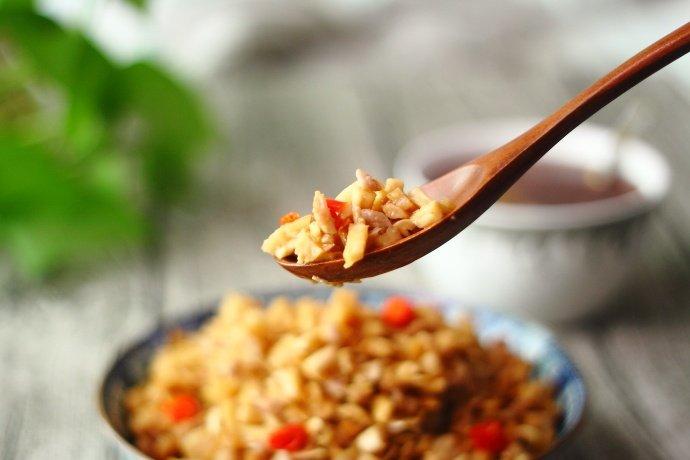 三分钟炒一盘肉末萝卜丁,出锅后米饭还立马遭殃!