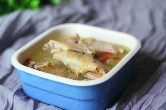 三种食材煲一锅清淡无油腻的滋补汤,天凉了来一碗还能…