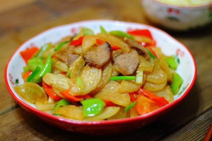 卤牛肉这么炒一盘,Q弹劲道,肉质鲜美,有它米饭都要多吃两碗