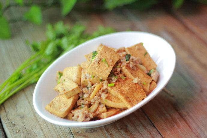 教你家常做法的肉末豆腐,外脆里嫩,又香又下饭,好吃还不贵