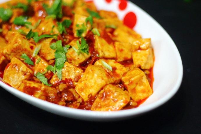 教你麻婆豆腐的家常做法,色泽红亮,豆腐嫩滑不碎,好吃又下饭
