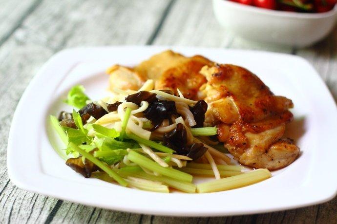 炸鸡排好吃,可惜热量高,不敢多吃,试试这种吃法
