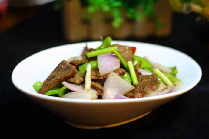 爆炒猪肝:好吃又下饭,还能帮你缓解压力和增强新陈代谢