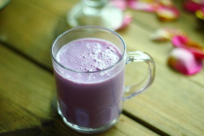紫薯奶昔,大人和孩子都喝的健康饮品,每天给家人来一…