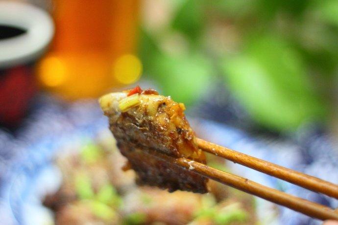 红烧带鱼只需添加一调味汁,味道就鲜美无比还不腥