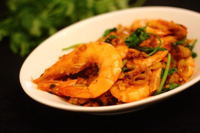 缺乏胃口的夏天,给家人做道酸辣爽口的泡椒虾,味蕾顿时大开