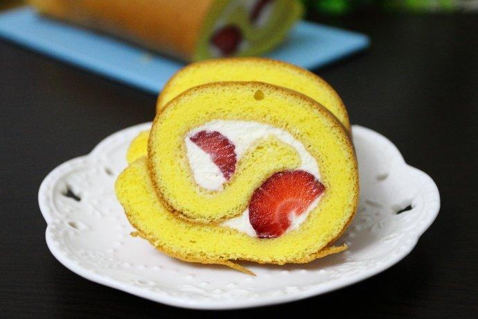 草莓季不容错过的美味奶油蛋糕卷