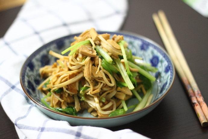 营养丰富又增强免疫力的豆干炒杏鲍菇