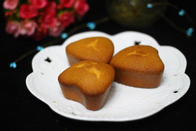 奶油蛋糕:好吃又讨人喜欢小蛋糕