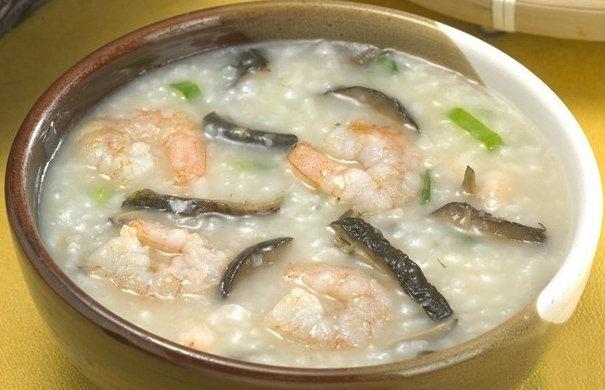 5岁宝宝食谱大全:黄花菜香菇营养粥的做法 冬天儿童食谱