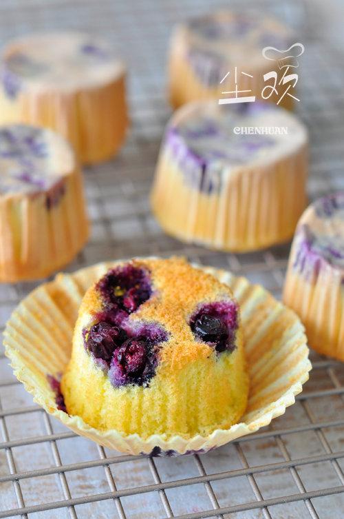 【有爱】爆浆的蓝莓更诱人—–蓝莓小蛋糕