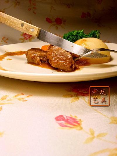 [爱秀食堂]秋梨清炖牛肉&胡瓜干贝鸡粥