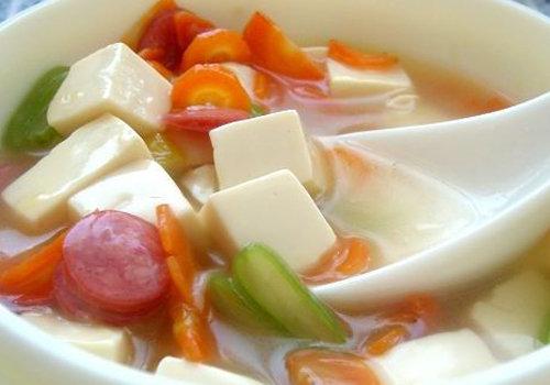 垂涎欲滴增食欲 2岁宝宝食谱 五彩豆腐羹的做法 营养开胃又养眼