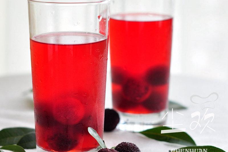 杨梅汁:夏天用它来做饮料,冰爽无添加