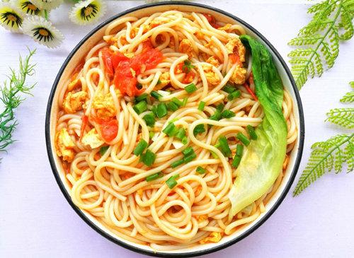 孩子早餐吃什么好 番茄鸡蛋粉 爽滑可口 营养美味 做法简单还快手