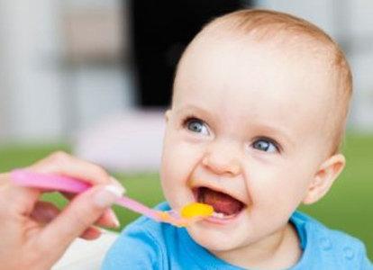 宝宝何时添加辅食 4~6个月的宝宝辅食有哪些