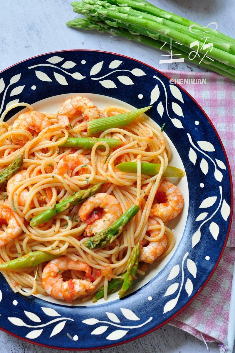 意大利面也没有那么难做,简单几步大餐速成,家庭秒变高级西餐厅