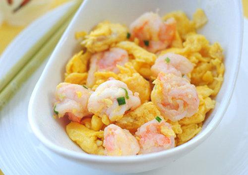 轻松做孩子最爱吃的美食 滑蛋虾仁 软嫩爽滑 营养美味 补钙又补脑