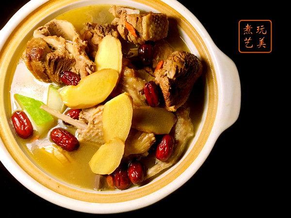 冬天怕冷,多吃些姜母鸭,缓解受寒的胃