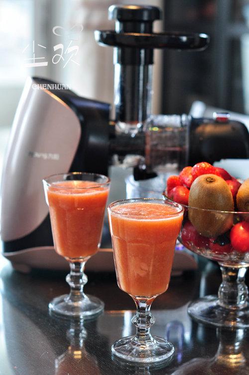瘦身季来杯美美的果汁