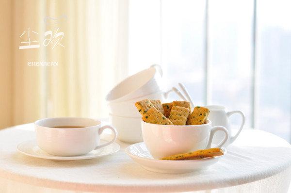 葱香味十足的美味小饼干:葱香苏打饼