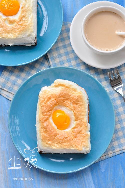 蛋白轻盈,蛋黄流心——浮云蛋