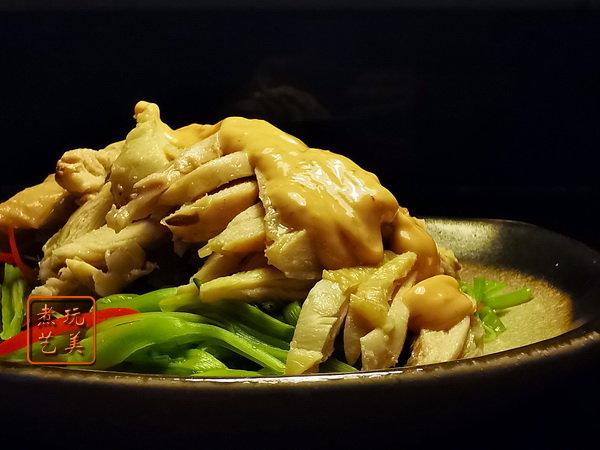 """鸡丝拌黄花:一道十分清凉的""""凉伴""""菜"""
