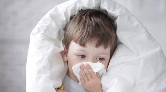 宝宝生病期间,别再给他吃这个了,只会延长生病期!