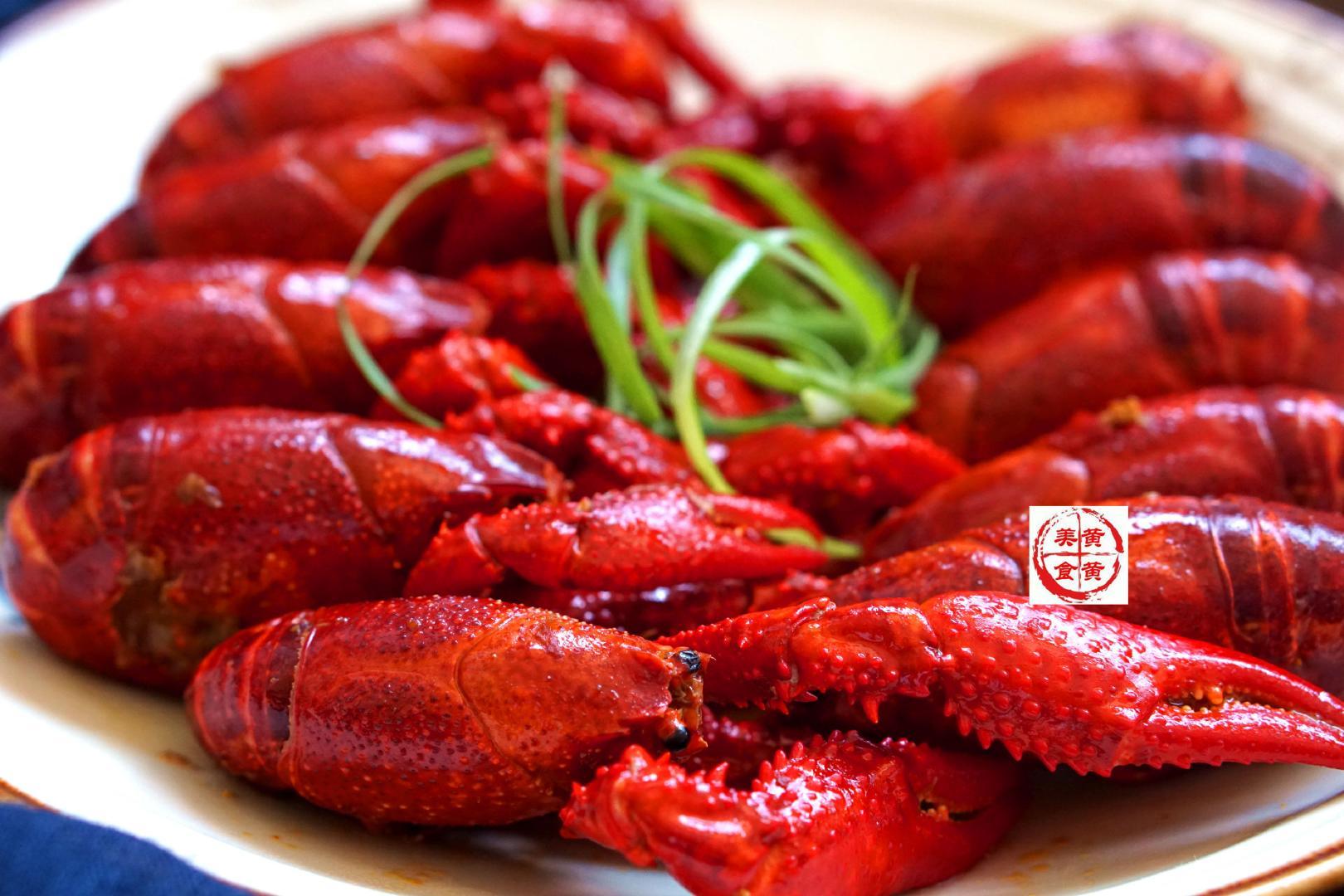 不放一滴水的小龙虾做法,非油炸更健康,麻辣又过瘾,快来尝鲜