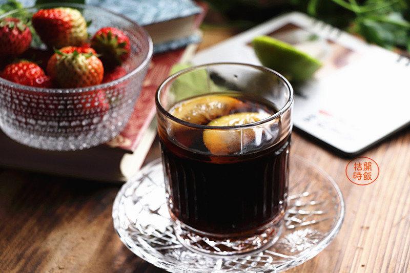 柠檬红糖姜水:补充多种维生素,增强血液循环