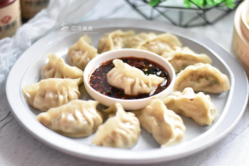 """一到秋天就特别馋的饺子,用""""它""""做馅,比芹菜营养,比韭菜馅香"""