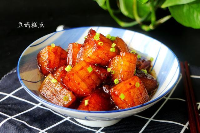 夏天吃冬瓜,这做法最惹人,不油不腻滋味丰富,口感赛过红烧肉