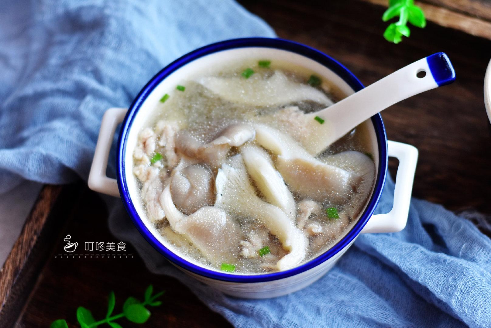 平菇瘦肉汤:鲜美营养又好喝