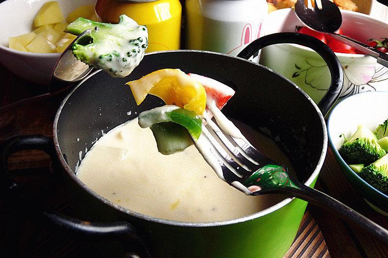 涮火锅别老是挑麻辣味,试试这种吃法,多吃还能补充维生素与钙质
